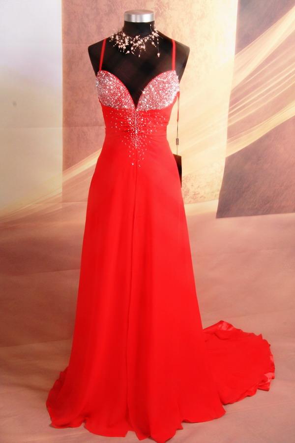 červené společenské šaty - korálky. Plesové šaty - maturitní ples! 3c90c50a513